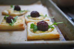 amora-vinagre-balsamico-queijo-cabra-raspa-limao