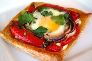 pimento-cebola-ovo-salsa-mozarella